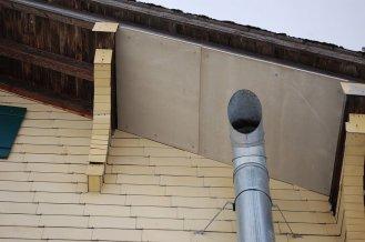 Brandschutzplatte unter dem Dach aus Faserzement